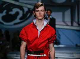 伦敦男装周:Prada世界的二次元 展露简单和人情味
