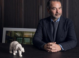 Moncler 的 CEO 谈了11点生意经,卖羽绒服自成一体
