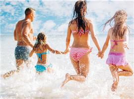 夏季购物潮来袭,海外泳装零售商都使出了什么招?