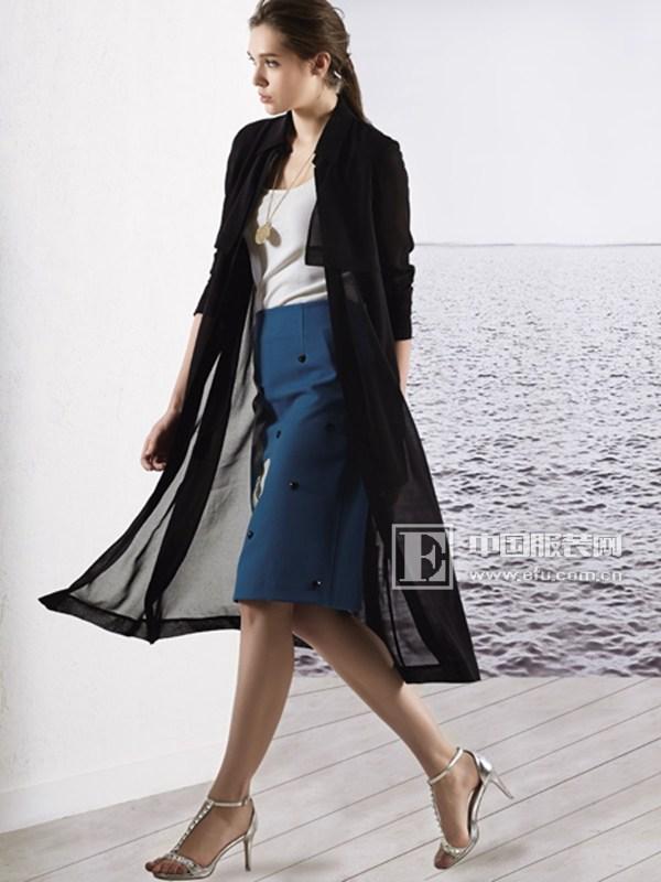 允硕女装 做时尚唯美的创意女性
