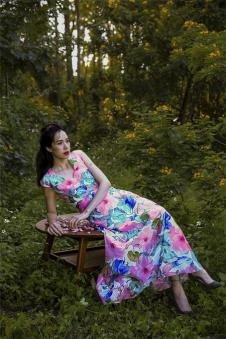 香莎女装新品印花长裙