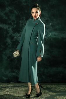 香莎女装新品绿色长款外套