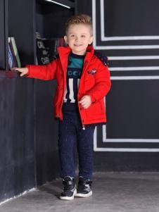 叮当猫男童装新款红色外套
