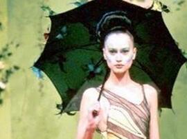 文刀米:Mcqueen在Givenchy的那几年 备受质疑却奠定未来