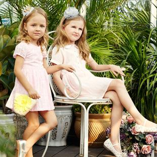 加盟杰米熊童装  知名实力童装品牌!拥有顶尖童装设计团队!