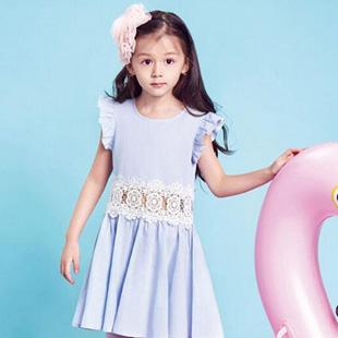 水孩儿童装加盟  品牌产品涵盖了服装、围巾、帽子、包等多个品类