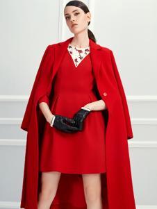 D2M红色外套