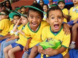 看李宁特步361度安踏国产品牌如何争夺两亿童装市场
