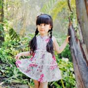 的纯碎花裙装新品 给孩子五彩的童年