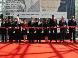 中国纺织服装企业积极开拓美国市场