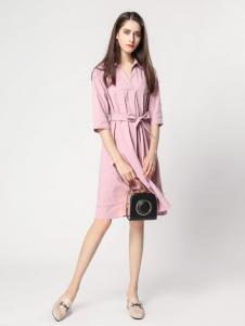 音非女装17秋新款粉色连衣裙