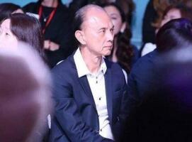 中国买家落败 MK12亿美元收购Jimmy Choo