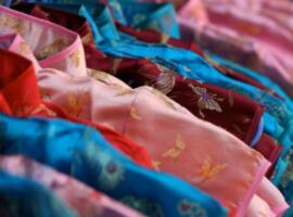 万事利领衔杭州丝绸借力跨境电商走向国际