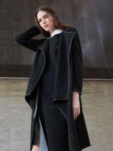 唯简尚女装摩登外套