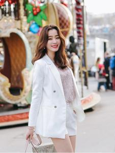 千姿惠女装2017秋冬新款白色大衣