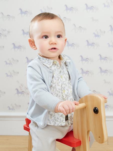 阳光鼠童装婴幼产品展示