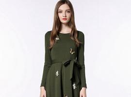 祝贺中国服装网协助内蒙古高女士签约深圳知名凡恩女装