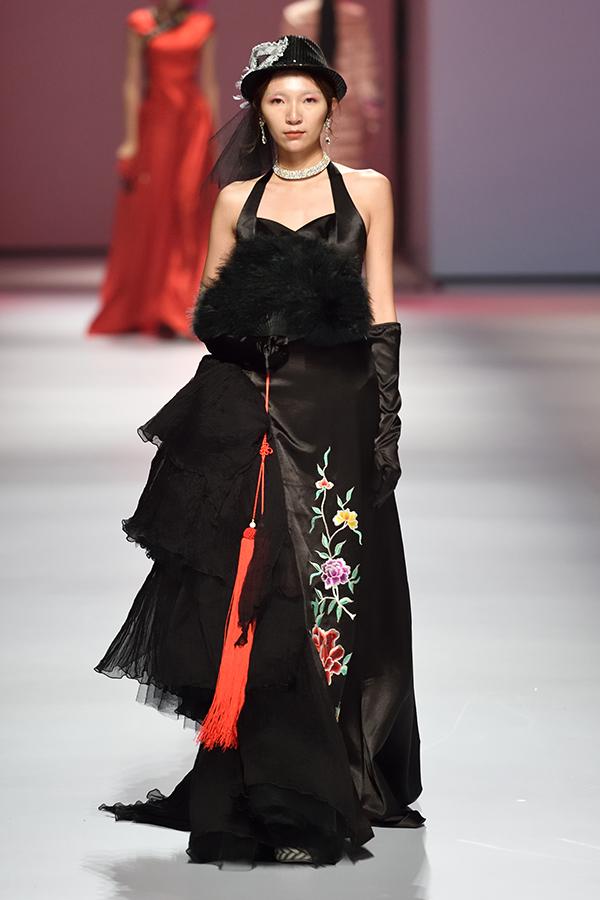 广东时装周之东莞非遗原创服装设计项目作品发布会