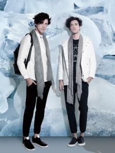 它钴男装2017年秋冬新品白色外套