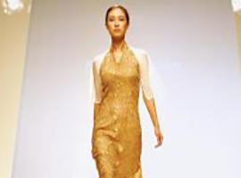 上海市服饰学会五位设计师改良传统旗袍 弘扬国粹之美