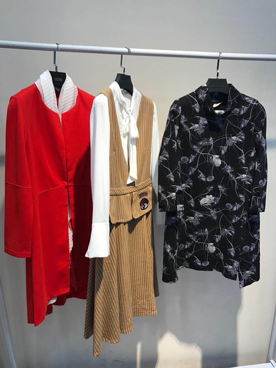 武汉组合  一线女装品牌折扣批发走份尾货低价库存清仓直销供货免费加盟