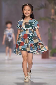 植木西Romocie2018春夏新品女童印花连衣裙