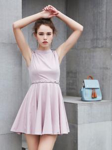 艾诺绮新款无袖浅紫色连衣裙
