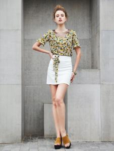 艾诺绮新款白色包臀短裙