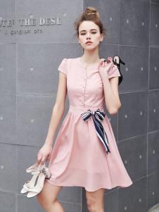 艾诺绮新款粉色连衣裙