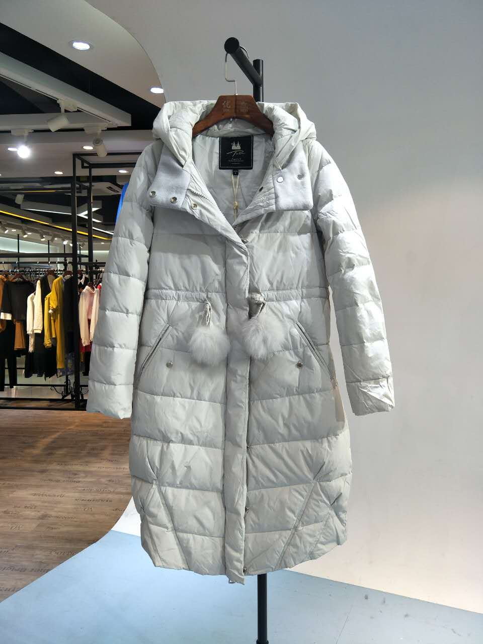 杭州品牌 她图冬装 品牌折扣女装批发 尾货走份批发