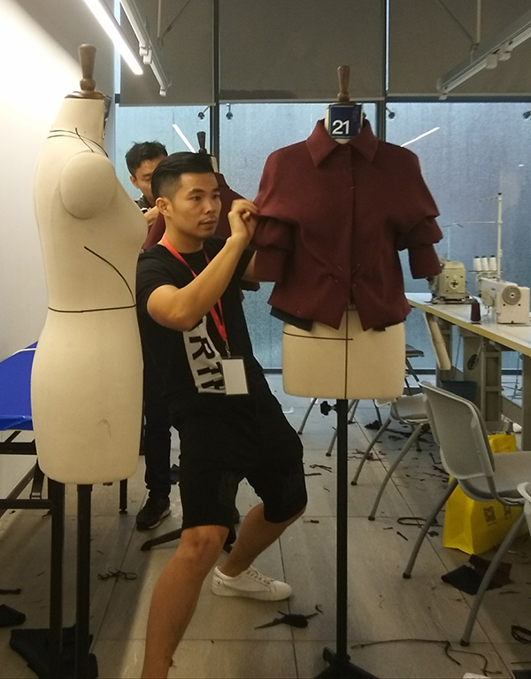 一个完美的设计,需要服装设计师和服装制版师共同努力才能实现!