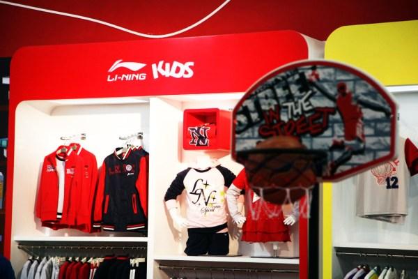 成人服装市场在饱和,它们正加快抢滩中国童装市场步伐