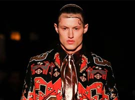 Givenchy史上首位女性创意总监能带品牌飞吗