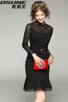黑色蕾丝长裙