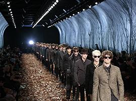 """纽约时装周的""""宠儿""""们逃往巴黎 年轻设计师开始受益"""