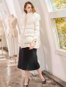YLZ1978白色羽绒服