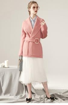 双面呢粉色大衣
