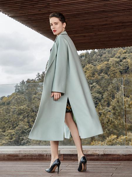 尚约女装2017年秋冬浅色大衣