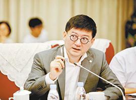 """银泰商业CEO陈晓东:百货业的""""水电煤""""变了"""