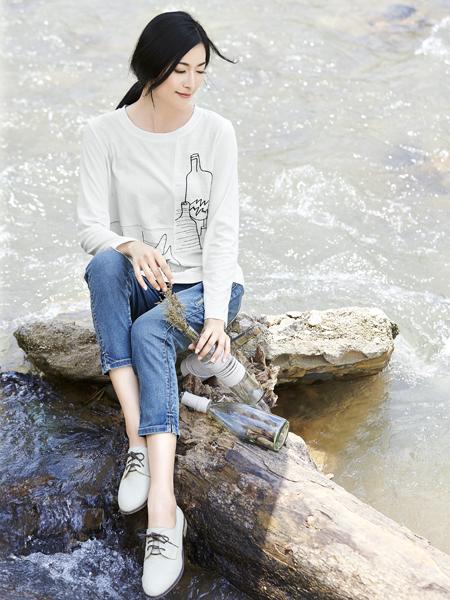 丽比多女装2017秋冬新款长袖T恤