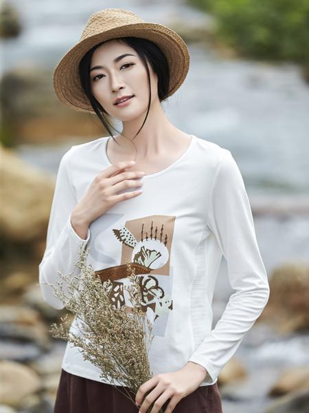 丽比多女装2017秋冬新款白色印花T恤