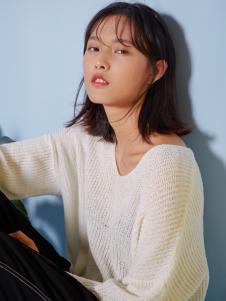 速品女装白色毛衫