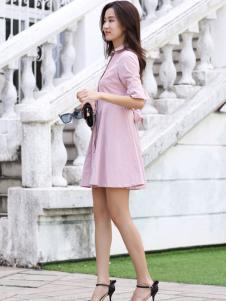 卡茵琪女装粉色连衣裙