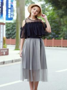 2017芝麻E柜女装新款露肩连衣裙