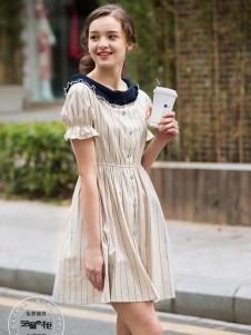2017芝麻E柜女装新款短袖连衣裙