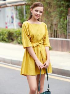2017芝麻E柜女装新款黄色系带连衣裙