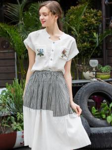 2017芝麻E柜女装新款白色连衣裙