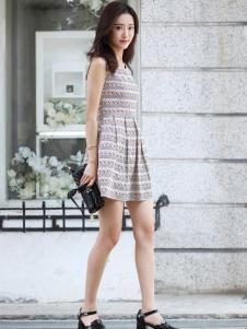 卡茵琪甜美连衣裙