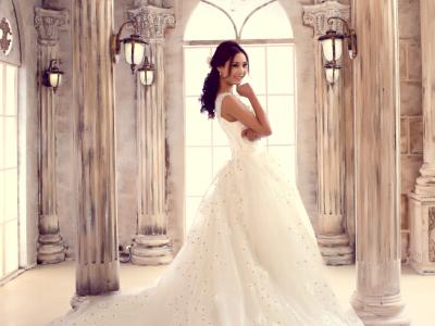 济南礼服批发厂家哪里找就找唯爱时尚婚纱礼服公司