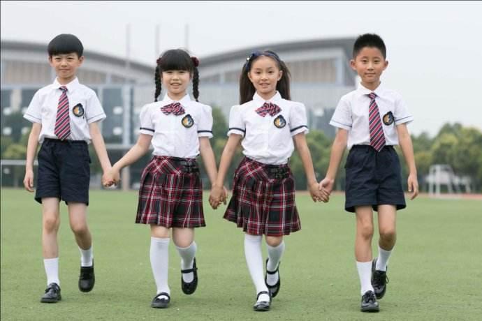 巴中校服定做,美泰来服饰,专注定制中小学校服厂家